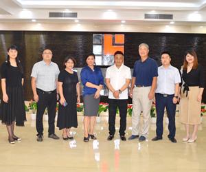 热烈欢迎北京市建筑装饰协会领导莅临东豪考察指导